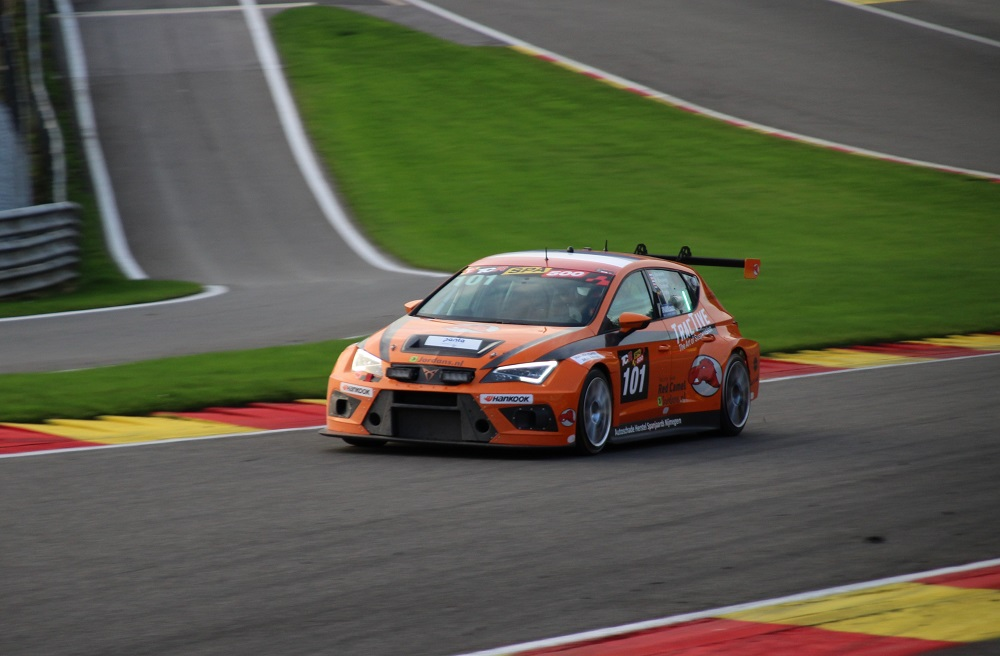 Sieger TCR Spa 500 Red Camel